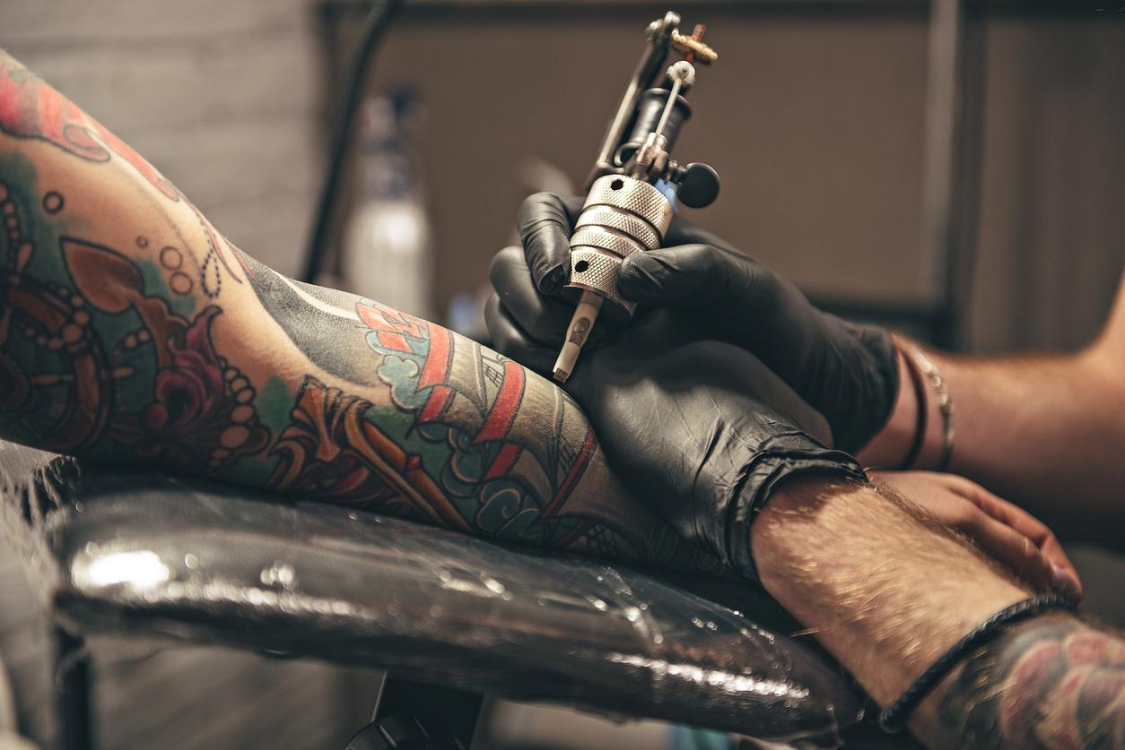 Мы начали сотрудничать с мастером тату и  перманентного макияжа